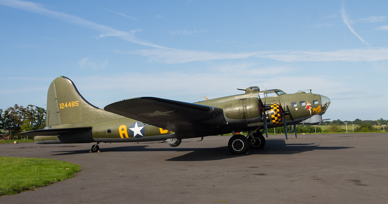 1945 Boeing B-17G Flying Fortress 'Sally B'