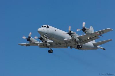 Vacances d'été aux USA à l'occasion d'une conférence à San Diego : Californie, Arizona. Lockheed P3 Orion à l'atterrissage à North Island
