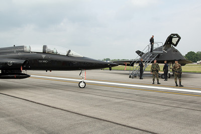 Dayton Air Show 2007, Northrop T-38 Talon & Lockheed F-117