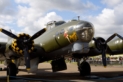 1945 - Boeing B-17G  Flying Fortress 'Sally B'