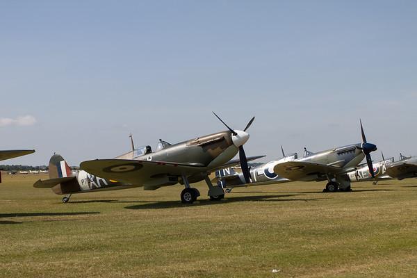 1941 - Supermarine Spitfire MkIa and 1944 - Supermarine Seafire LF III