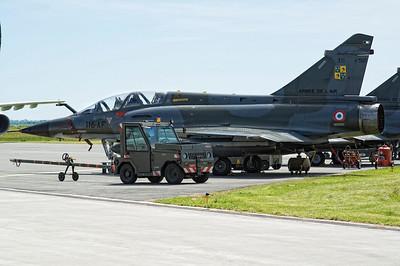 Mirage 2000N au parking.