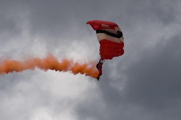 Aero Sekur Shooting Stars (Female Parachute Team)