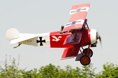 """Fête aérienne de Cerny - La Ferté-Alais. """"Le temps des hélices 2012"""". Fokker Dr.1."""