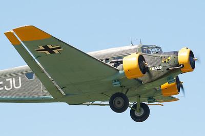 """Fête aérienne de Cerny - La Ferté-Alais. """"Le temps des hélices 2012"""". Jünkers Ju-52/3M (CASA C-352L)."""