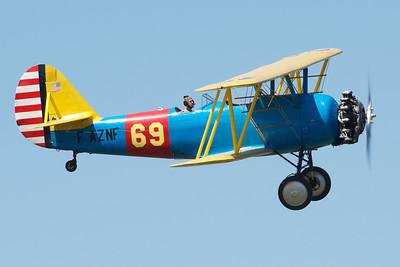 """Fête aérienne de Cerny - La Ferté-Alais. """"Le temps des hélices 2012"""".Naval Aircraft Factory N3N-3."""