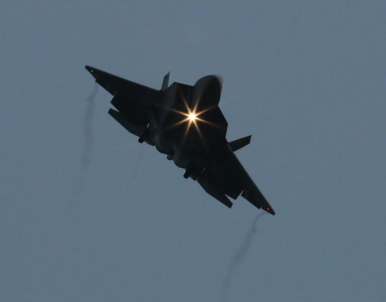 F-22 Raptor [09-0182] inbound Rwy 6 in the rain Friday