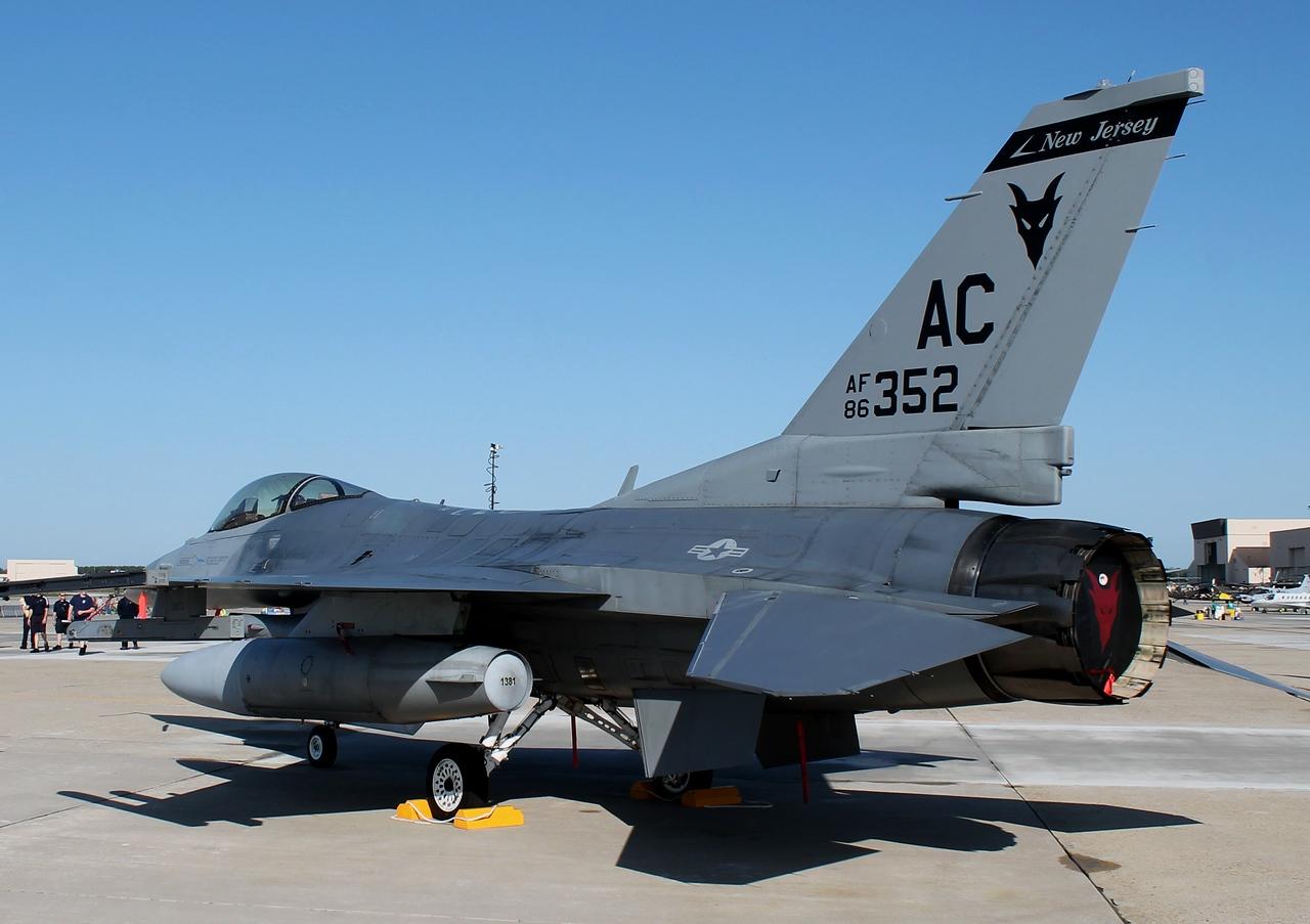 NJ ANG F-16C from Atlantic City