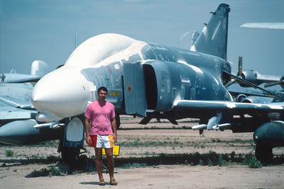 "Pima Air Museum, circa 1988 - Hervé devant un F-4C ""Phantom II""."