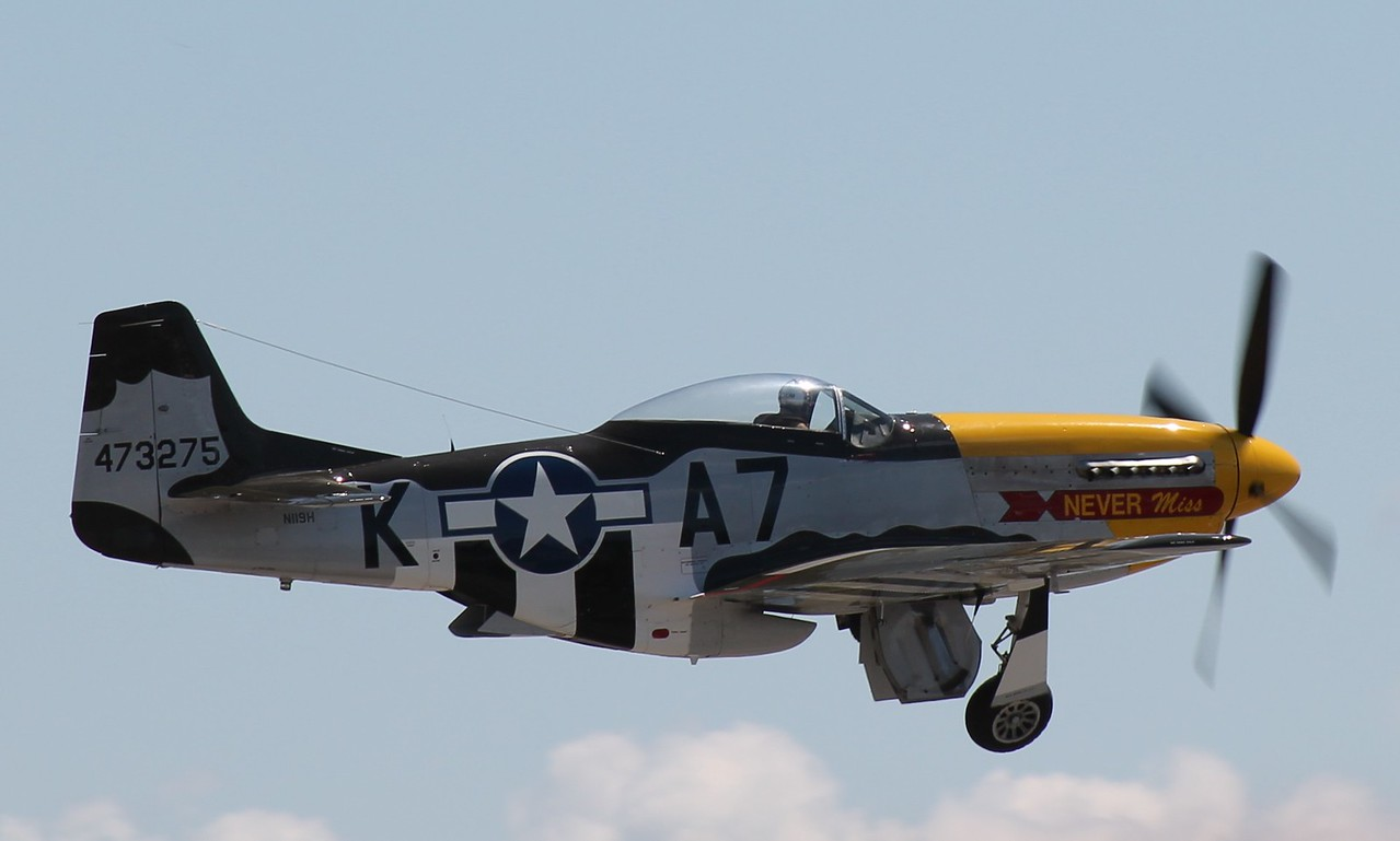 P-51D Mustang, tucking the landing gear up.
