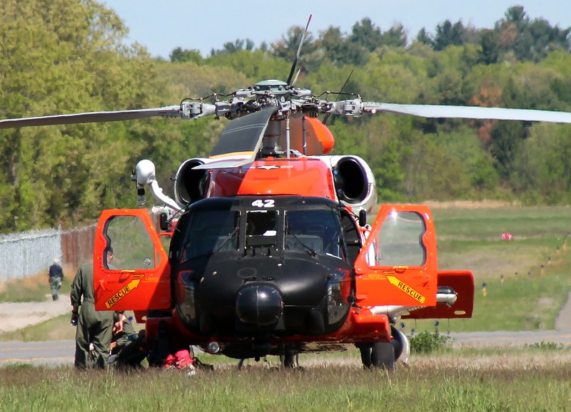 USCG MH-60T [6042] on standby