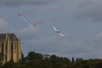 Piper PA25 Pawnee towing a MDM-1 Fox Glider