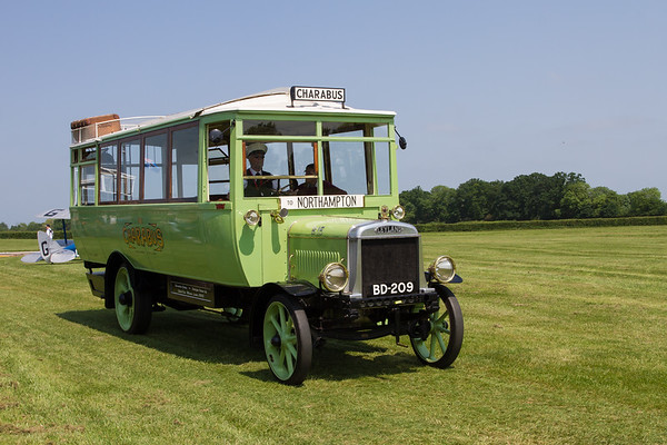 1921 - Leyland Charabus