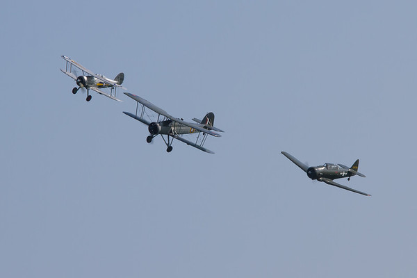 1938 - Gloster Gladiator / 1941 - Fairey Swordfish Mk.I / North American AT-6D-NT Texan
