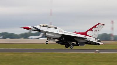 USAF Thunderbirds Display Team - Lockheed Martin F-16C/D Fighting Falcon (United States Air Force)