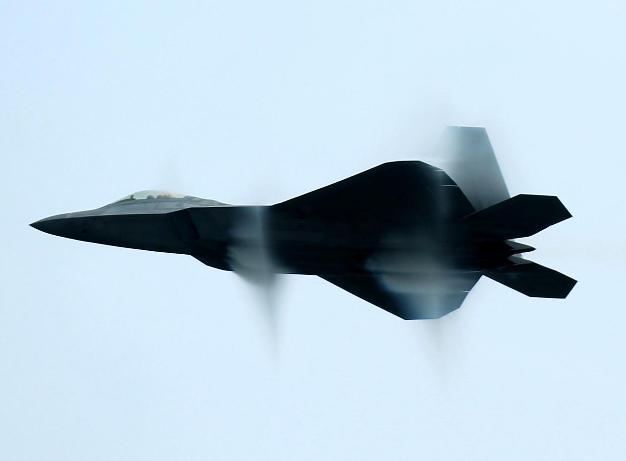 F-22 Raptor demo