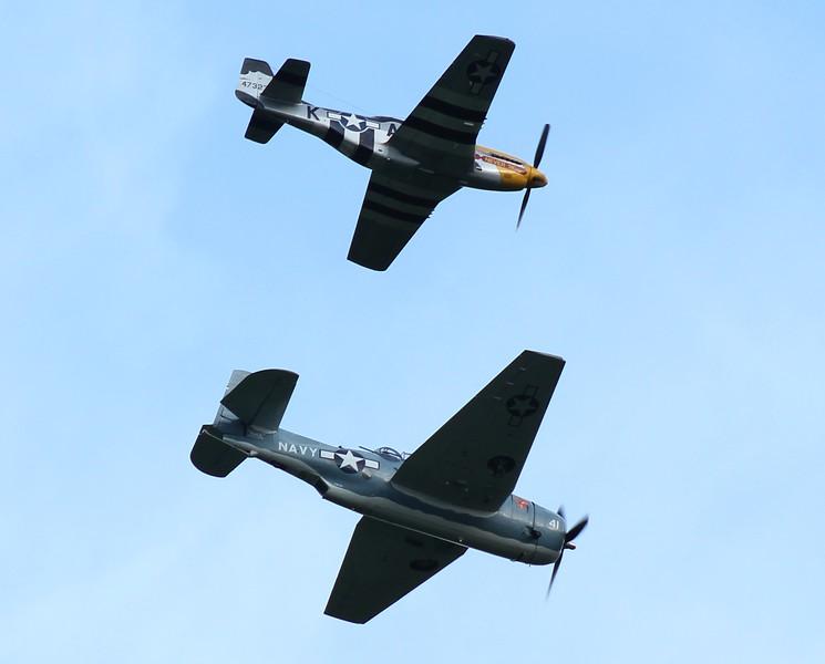 P-51 Mustang & TBM Avenger inbound RWY23