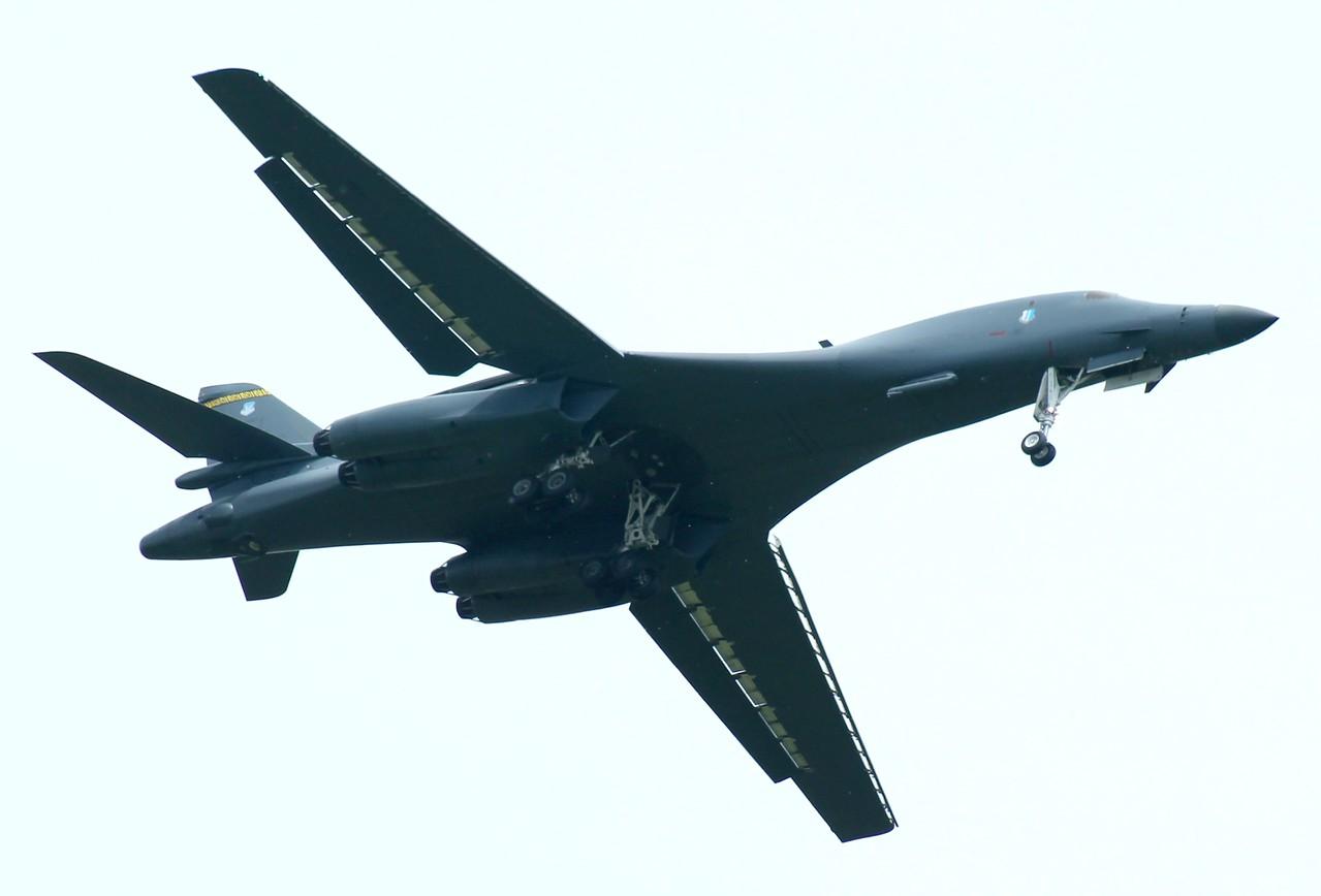 B-1B Lancer [86-102] 28th Bomb Wing Ellsworth,AFB South Dakota inbound RWY23.