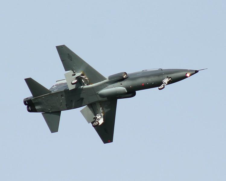 T38 Talon 88 FTS inbound RWY 23.