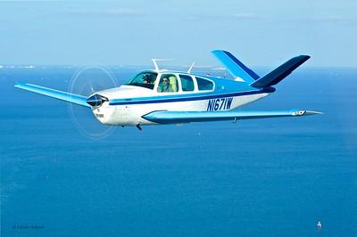 Beechcraft V35B Bonanza N1671W