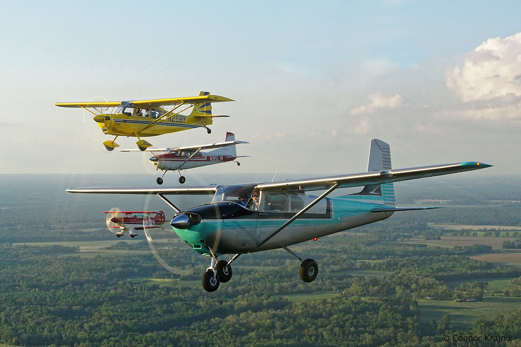 Cessna 182, Super Decathlon, Cessna 185, Pitts S-2B formation