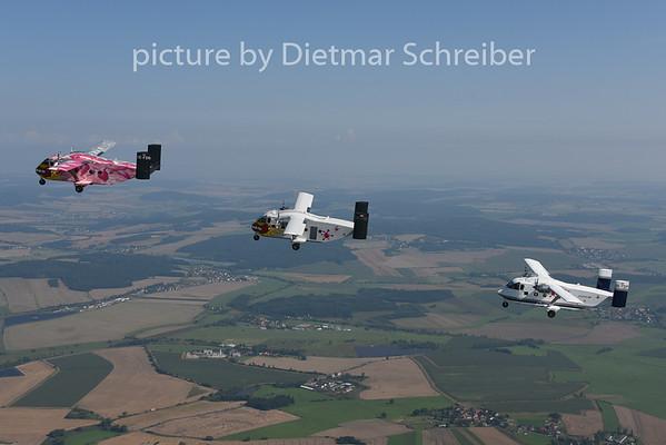 2014-08-08 OE-FDP / OE-FDN / OE-FDK Shorts SC7 Skyvan Pink Aviation