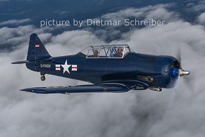 2014-10-25 D-FHGV T6 Texan