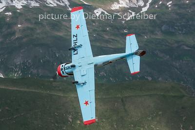 2015-06-25 LY-HLZ Yakovlev 52