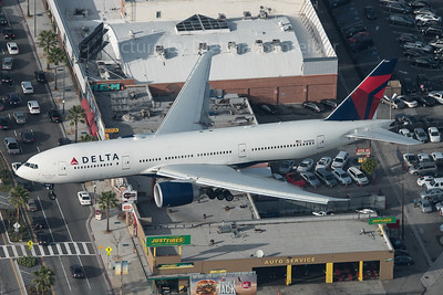 2016-03-02 N708DN Boeing 777-200 Delta Airlines