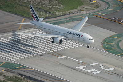 2016-03-02 F-GSPX Boeing 777-200 Air France