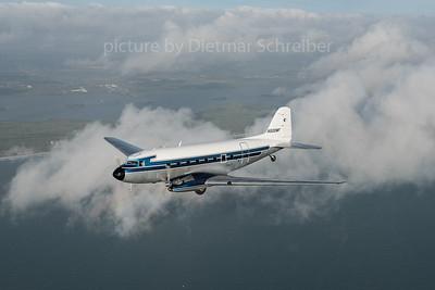 2016-03-11 N500MF Douglas DC3 Missionary Flights