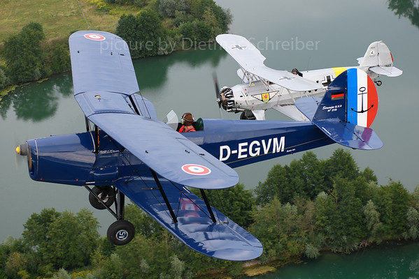 2018-08-04 D-ENAY FW44 / D-EGWM SV4