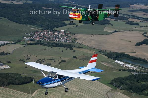 2019-08-18 OE-DAI Ce172 / OE-FDI Sjorts Skyvan Pink Aviation