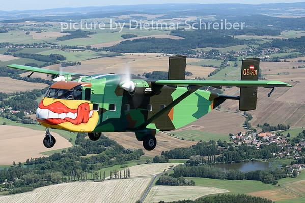 2019-08-18 OE-FDI Shorts Skyvan Pink Aviation