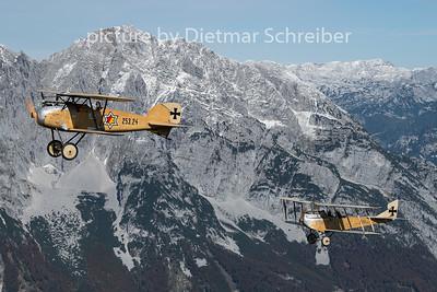 2020-10-09 D-EFBB Albatros D.III / OE-VCI Hansa Brandenburg C1
