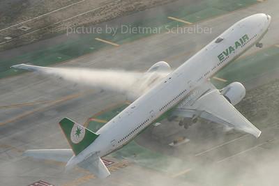 2016-03-02 B-16717 Boeing 777-300 Eva Air
