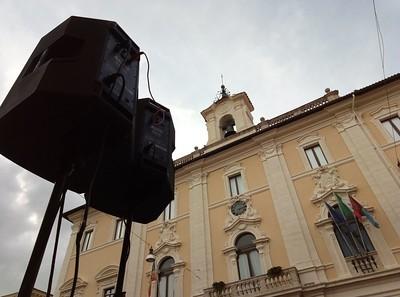 Amplificazione in piazza del comune a Rieti