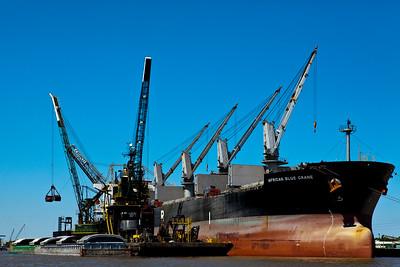 Offloading a Barge Mobile River Mobile AL_1310