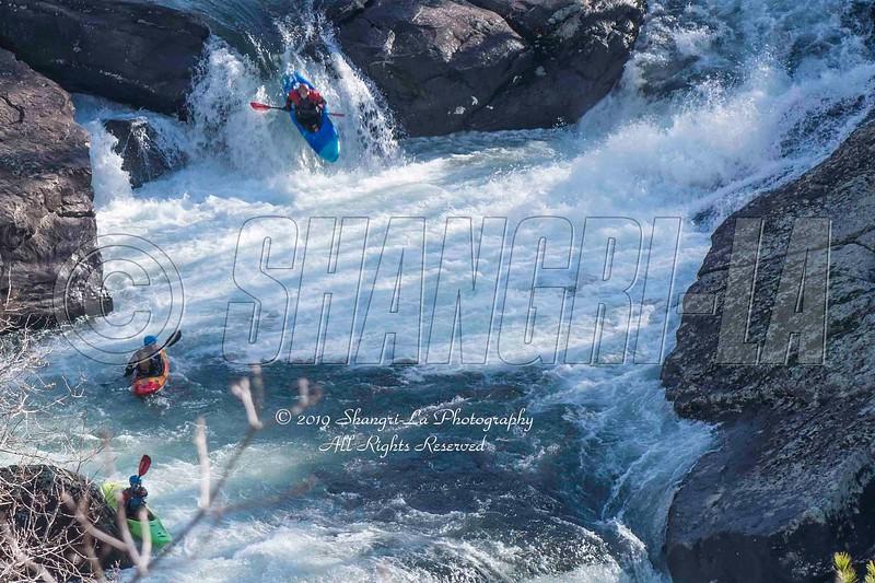 Kayakers LRCNP 01-06-2019_DSC2849 wm cm