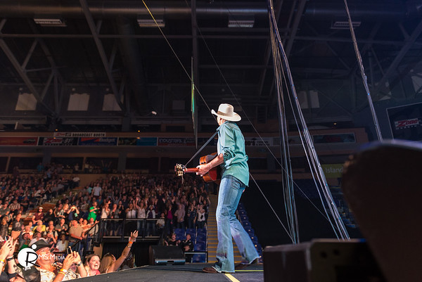 Alan Jackson | Save On Foods Memorial Arena | Victoria BC