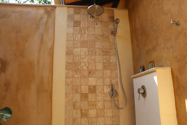 3 bedroom Alanta villa Rain Shower