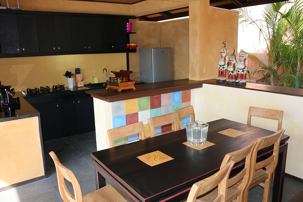 3 bedroom Alanta villa dining area