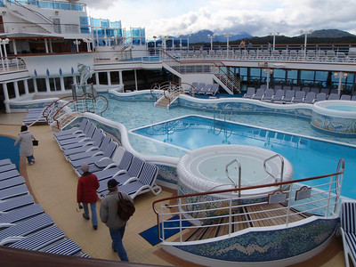 Cruise ship: outdoor hot tub and pool
