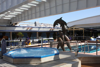 Deck 11, the Lido Deck housed the hot tub, swimming pool, a retractible top and the Lido Restaurant.