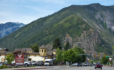 The next day, our goal is to get to our friends' home in Bellingham, WA.  Easiest route is thru Leavenworth, and over Stevens Pass.  This is Leavenworth, near where we stayed last fall.