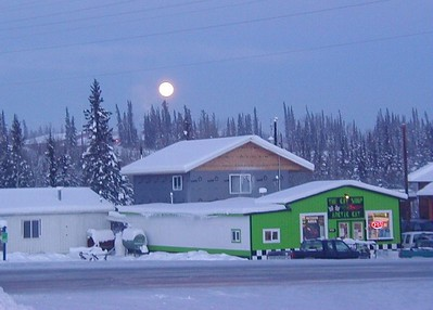 Moon rising in the northern sky - Glennallen schools on the hill.