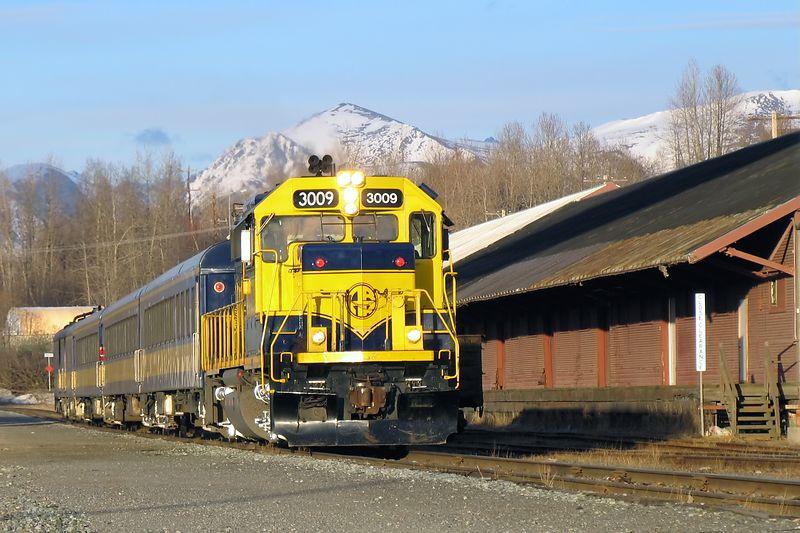 Alaska Railroad / Auto Fix PSE, Neat Image Auto, Crop