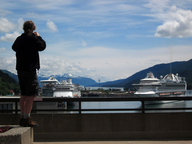 Juneau harbor--cruise ship central