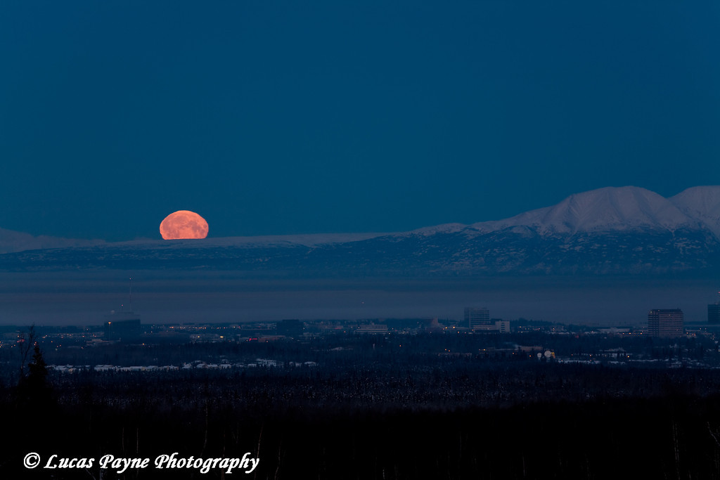 Perigee Moon setting over Anchorage, Alaska<br /> January 30, 2010