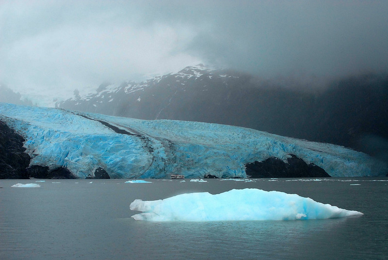 Icebergs on Portage Lake viewed from the pass to Whittier.